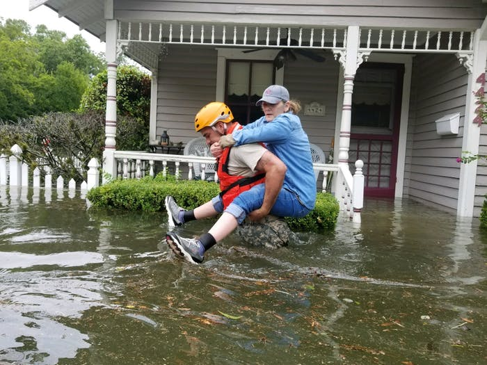 texas-national-guard-soldiers-conduct-rescue-operations-in-flooded-areas-around-houston-on-sunday